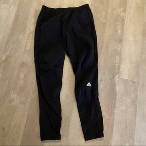 Adidas slim tapered running jogger